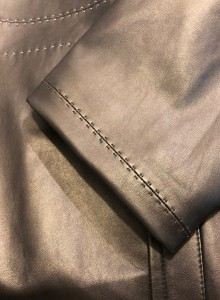 レザージャケット袖丈詰め 短く 東京都内 目黒区 革製品修理 靴修理ロンゴロンゴ