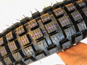 トライアルタイヤ スニーカーカスタム Customsneaker オフロードタイヤ IRC 東京目黒区 修理屋ロンゴロンゴ