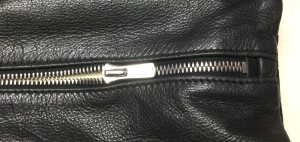 バッグファスナーリペア エクセラ交換 東京都内 目黒区 靴修理 革製品修理 ロンゴロンゴ